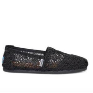 NEW Toms Black Classic Moroccan Crochet Shoe 8